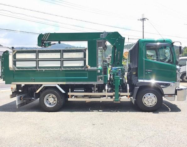 dump truk hino dutro with crane