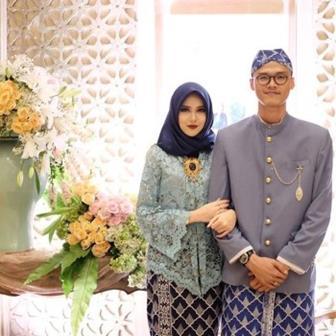 Model Baju Kebaya Mulsim Couple Untuk Akad Nikah