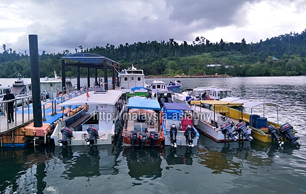 Pelabuhan Waisai Raja Ampat