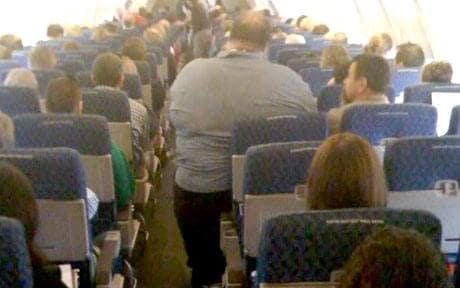 italian lawyer fat passenger emirates