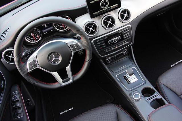 Thiết kế nội thất Mercedes AMG GLA 45 4MATIC thể thao sành điệu