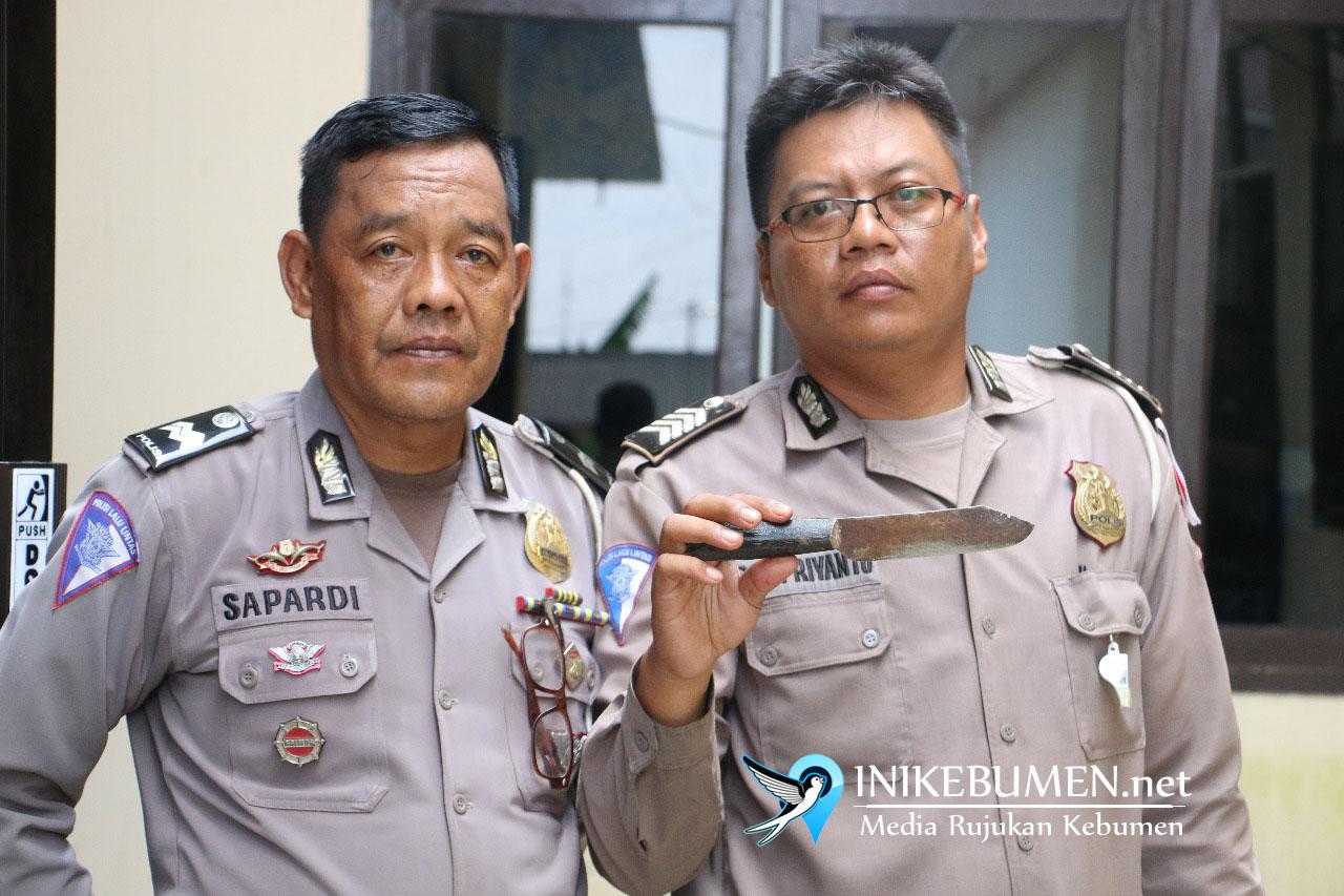Tak Terima Ditilang, Warga Purworejo Todong Polisi dengan Pisau. Alasannya Menyedihkan