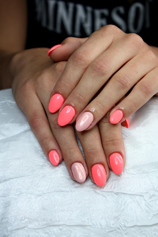 Stylizacja paznokci, rzęs oraz makijaż : Paznokcie żelowe