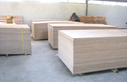 PERHUTANI PLYWOOD INDUSTRY: Plywood As Construction Material