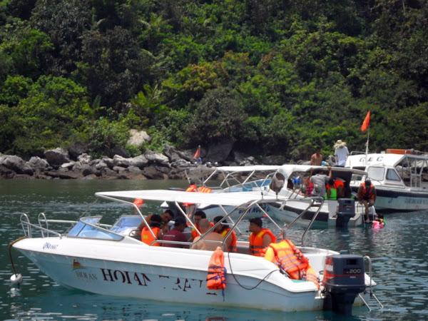Barco por el rio Co Co en Danang