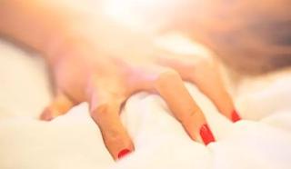 Ini Cara Meraih Orgasme Selama 60 Detik