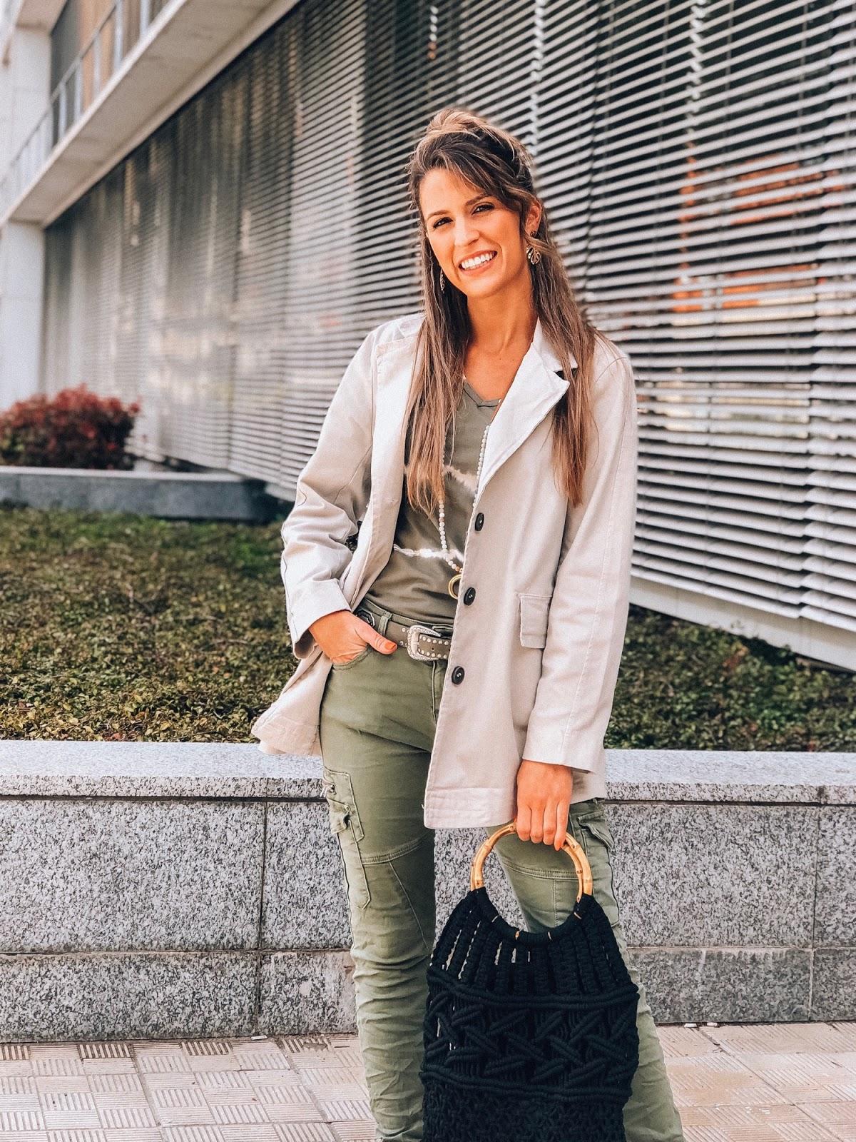 pantalones estilo safari