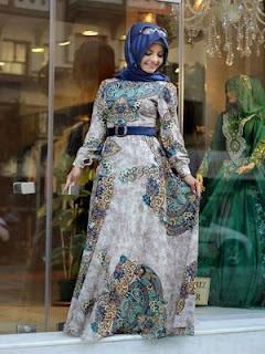 contoh gaun pesta ivan gunawan