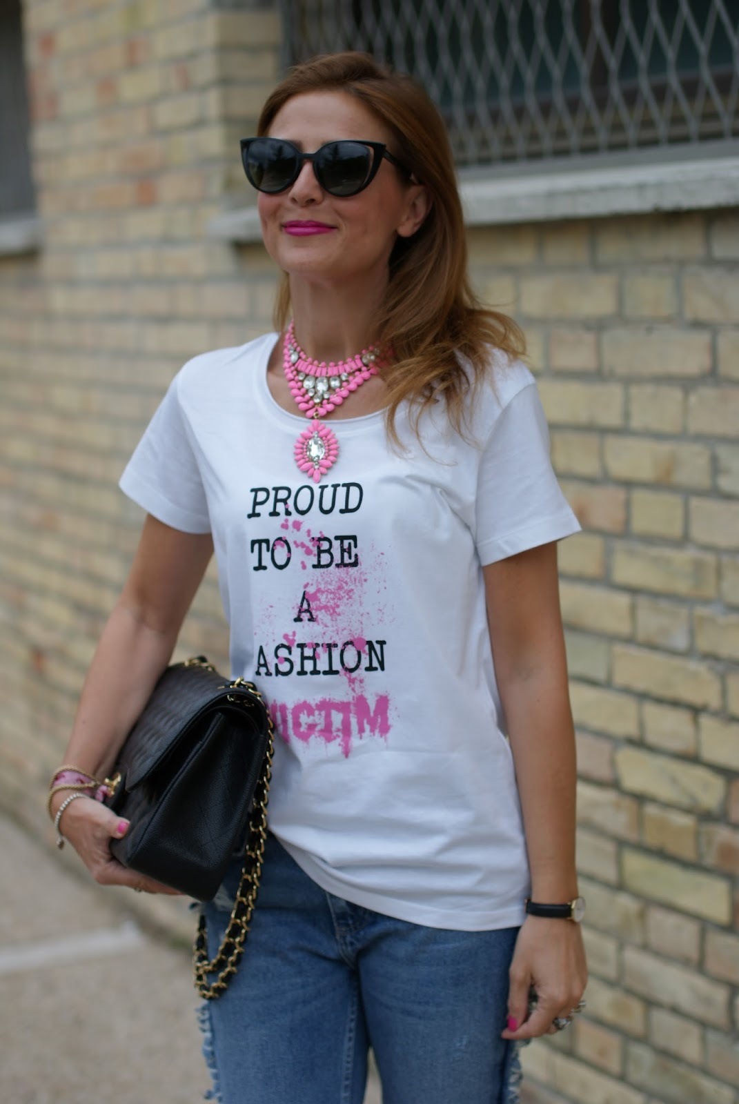 Casual feminine outfit with a proud to be a fashion victim t-shirt from Iolanda Corio TSoF CREW on Fashion and Cookies fashion blog, fashion blogger style