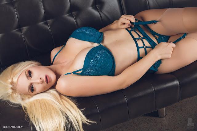 Kristen Hughey cleavage