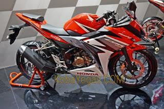 Honda CBR150R Merah
