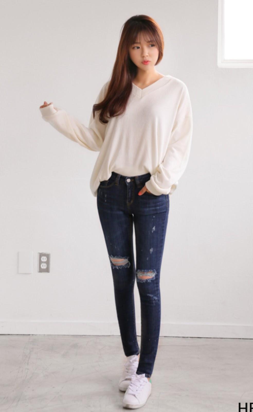 Custom Juniors Jeans Stores:
