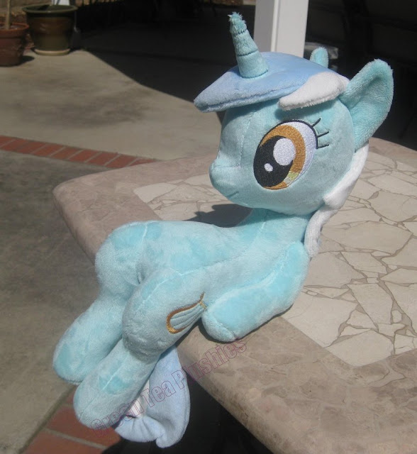 https://fireflytwinkletoes.deviantart.com/art/Sitting-Lyra-Heartstrings-Plushie-373616818