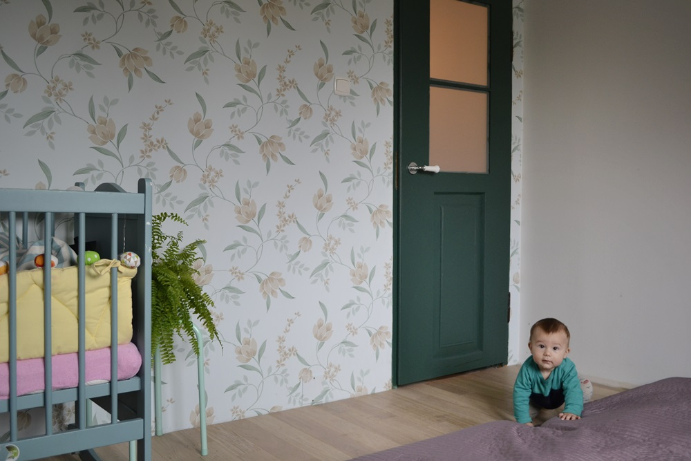 renowacja dzwi, tania sypialnia, jak tanio urządzić sypialnię