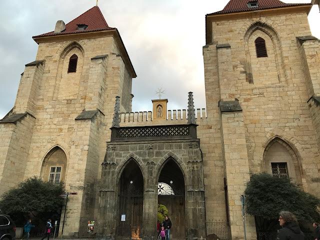 église Notre dame de la Chaine (Kostel Panny Marie pod Retezem) Prague