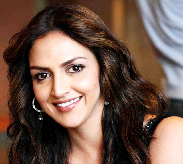 Esha Deol Biography, Wiki, Dob, Height, Weight, Husband