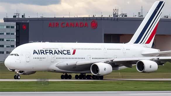 Pesawat Penumpang Terbesar Airbus A380-800