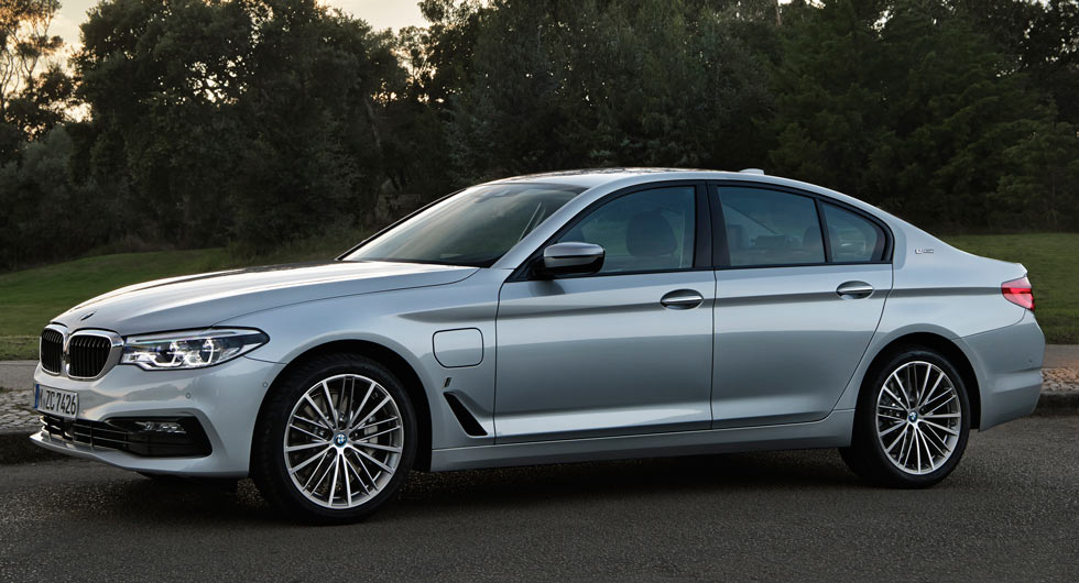 2018 bmw 530e iperformance plugs into the heart of the luxury market. Black Bedroom Furniture Sets. Home Design Ideas