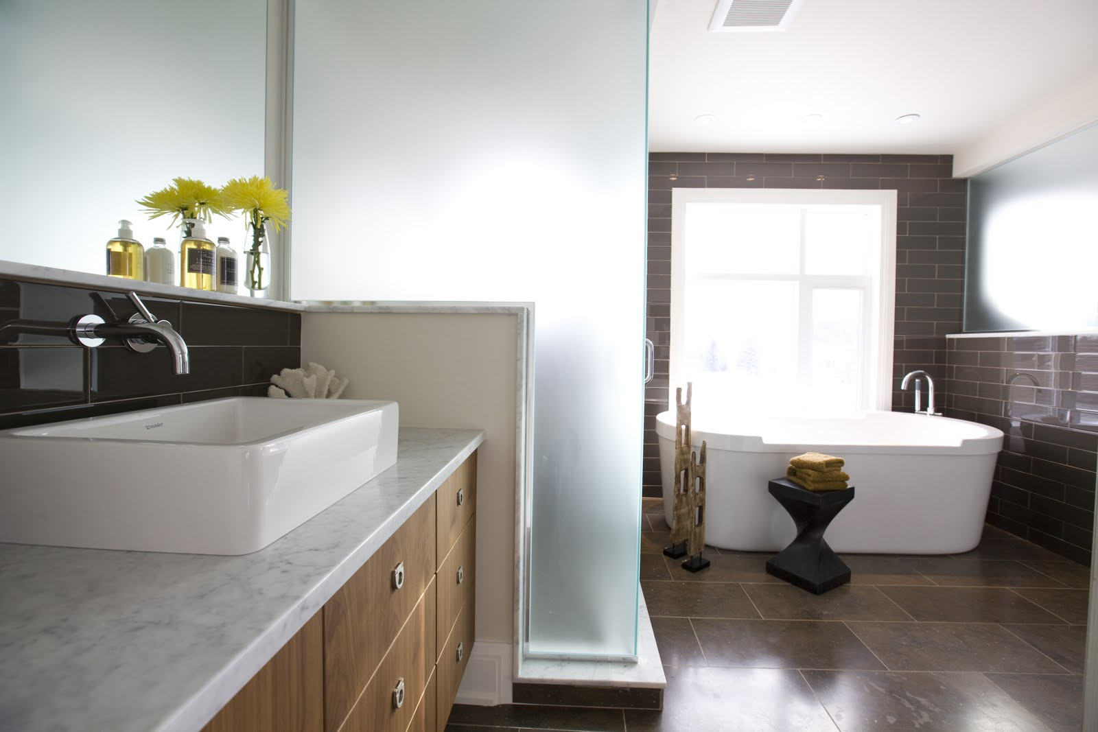 Home Priority: Pleasing to the Eye Posh Bathroom Interior Designs