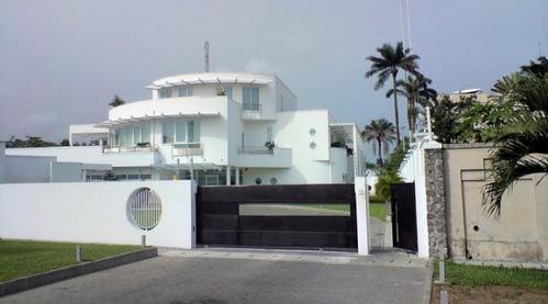 Interior Photos Of Dangote's (N5Billion) $30Million Multi Million Dollar Abuja Mansion