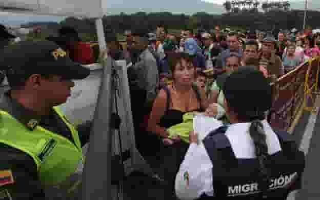 Colombia deporta a 50 venezolanos por indocumentados