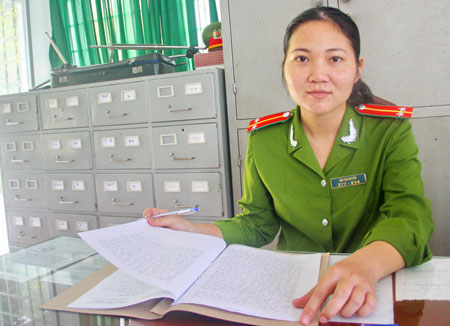 Đại uý Bùi Thị Huyền
