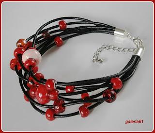 bransoletka i kolczyki, czerwony i czarny, szkło i rzemyk, pandora, porzeczka