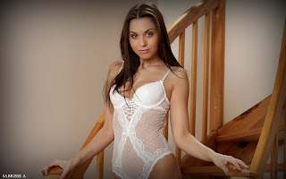 Ordinary Women Nude - Sexy Naked Girl Sabrisse A - 1