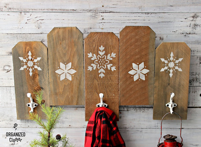 Rough Sawn Fence Board Wall Hooks with Snowflakes #rusticChristmas #winterdecor #stencil #snowflakes #hobbylobbyhooks