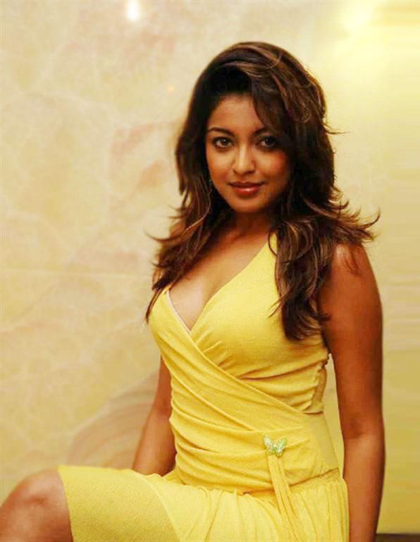 tanushree dutta hot in bikini