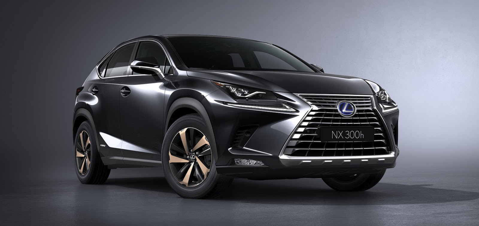 2018 lexus nx 300h facelift enjoys price cut despite new tech carscoops. Black Bedroom Furniture Sets. Home Design Ideas