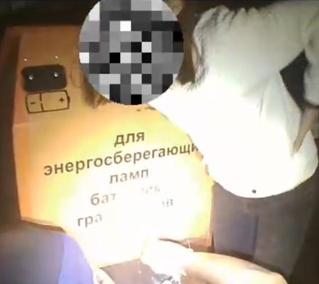 13-летняя уфимка застряла в контейнере для сбора ламп