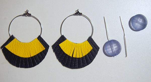 DIY : boucles d'oreilles à franges en simili-cuir