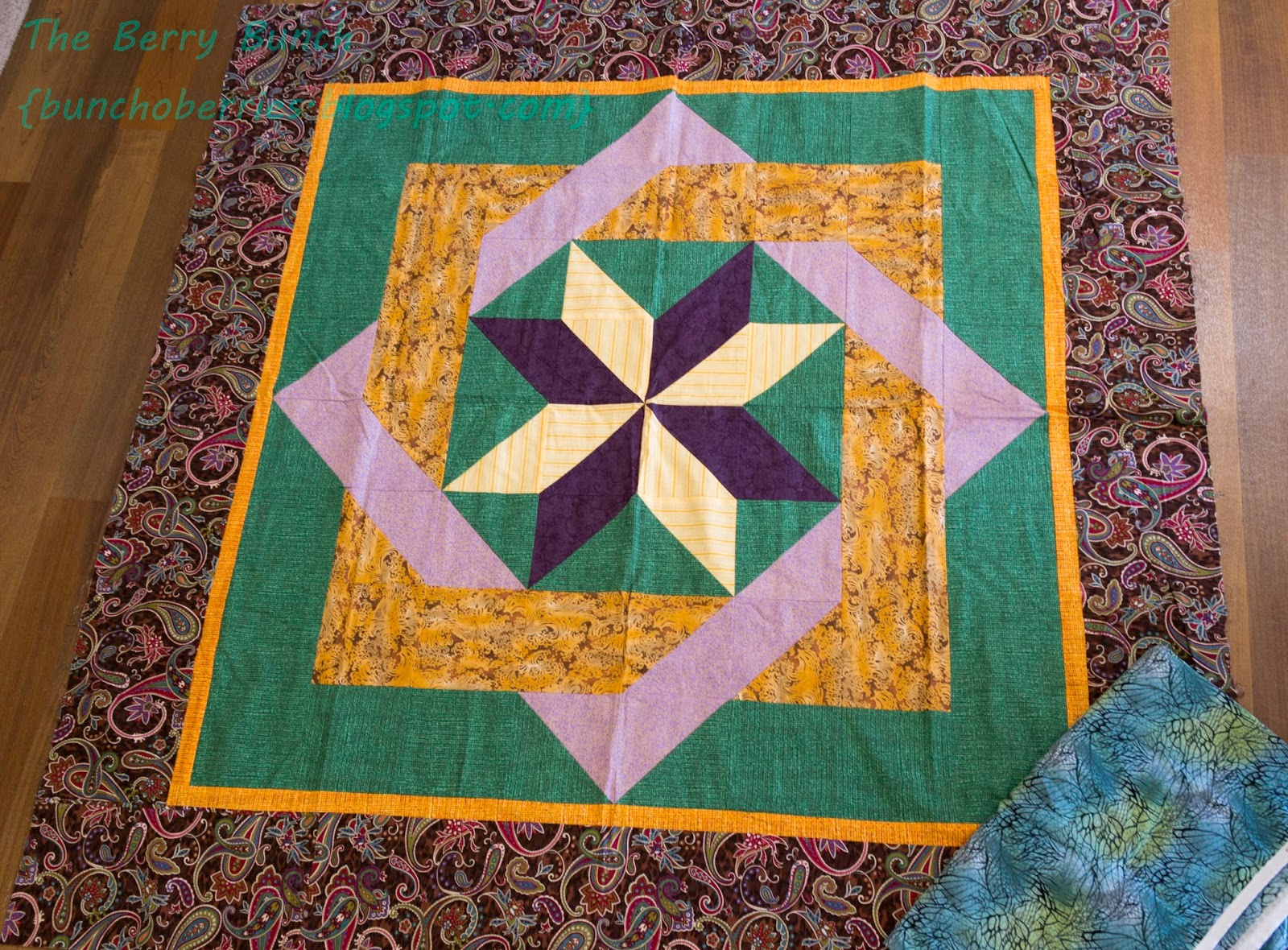 The Berry Bunch: 2015 Finish-A-Long: Labyrinth Lap Quilt