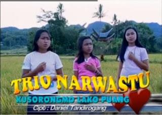 Kusorongmo Lako Puang (Trio Narwastu)