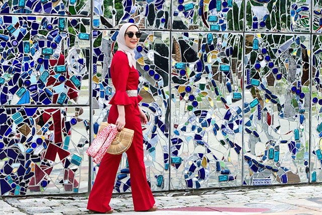 Cinco De Mayo Outfit-Red Jumpsuit-Cult Gaia Natural Ark Bag-Hijabi Fashion Blogger