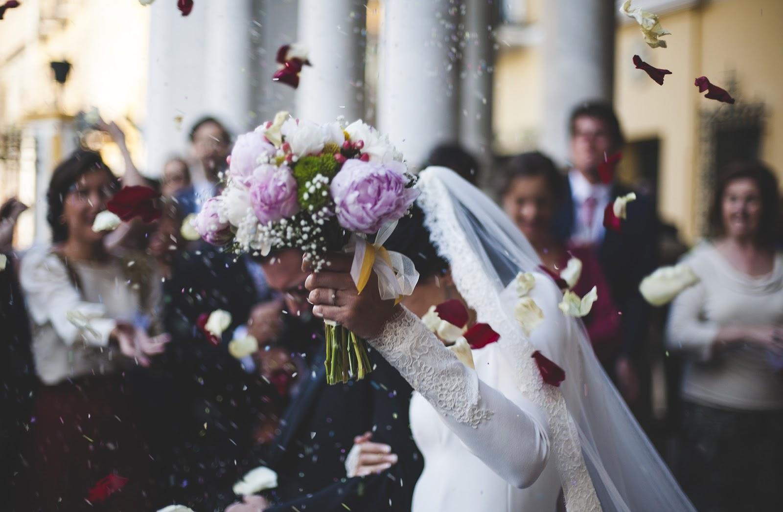 pytania które trzeba zadać oglądając salę na wesele o co pytać w obiekcie ślubnym jak wybrać sale weselną na co zwrócić uwagę przy organizowaniu wesela