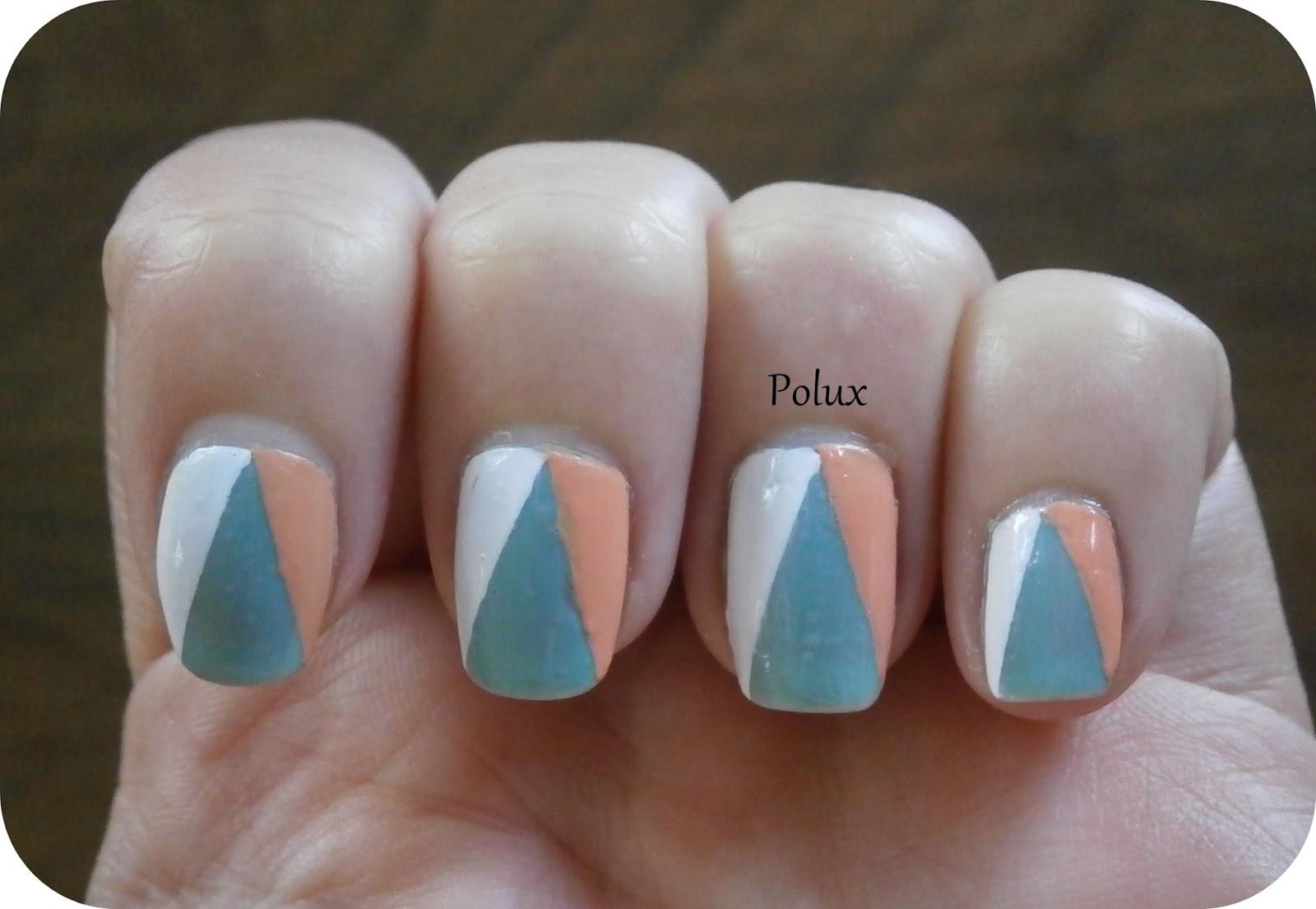 tuto nail art triangles les ongles enchant s de polux. Black Bedroom Furniture Sets. Home Design Ideas