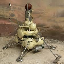 Riproduzione del modulo di atterraggio della sonda sovietica Luna 15.