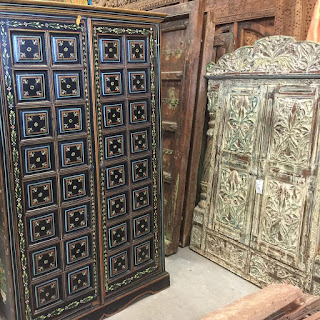https://www.mogulinterior.com/indian-traditional-furnitures.html