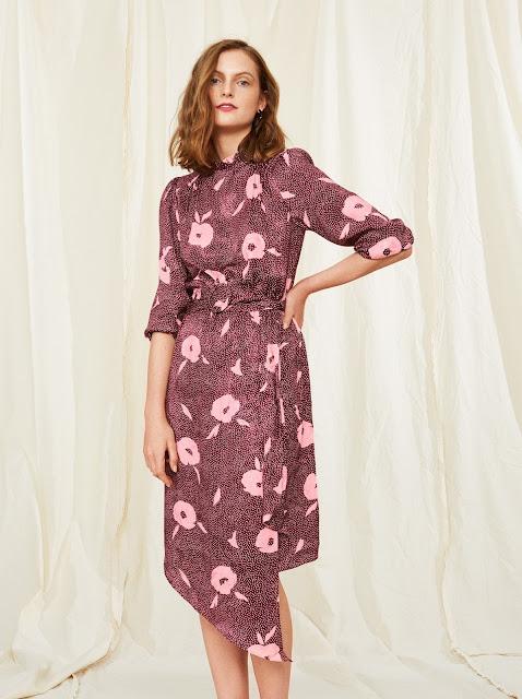 Сукня-міді з квітковим принтом кольору бургунді або рожевого відтінку