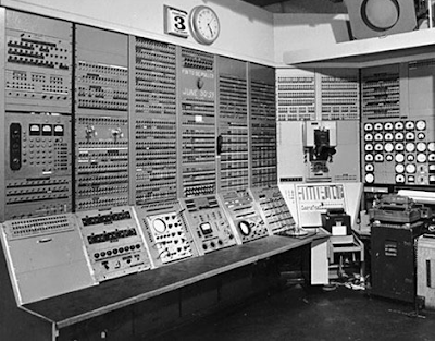 sejarah komputer lengkap, sejarah singkat komputer, sejarah komputer dan perkembangannya, pengertian komputer, sejarah komputer dan generasinya, sejarah perkembangan komputer generasi pertama sampai kelima, sejarah perkembangan komputer dan generasinya