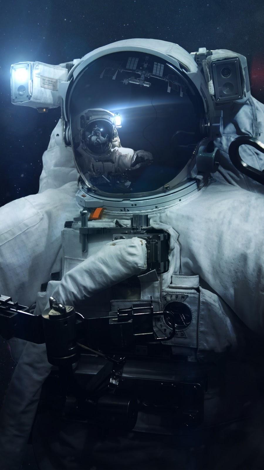 Papel de parede grátis Astronauta no Espaço Infinito para PC, Notebook, iPhone, Android e Tablet.
