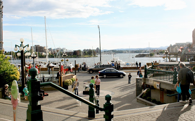 Music along the harbor in Victoria, BC