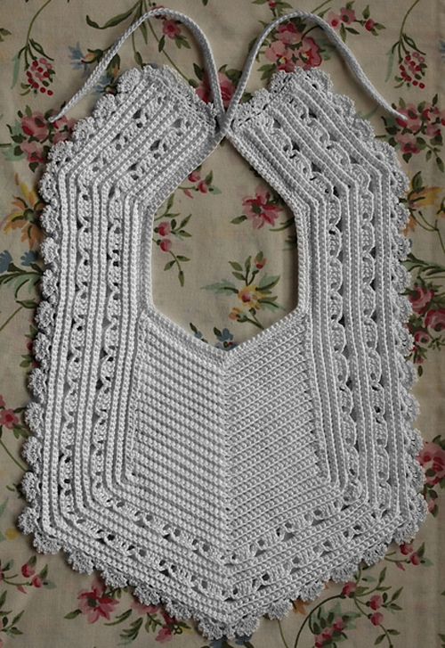 Heirloom Crochet Bib - Free Pattern