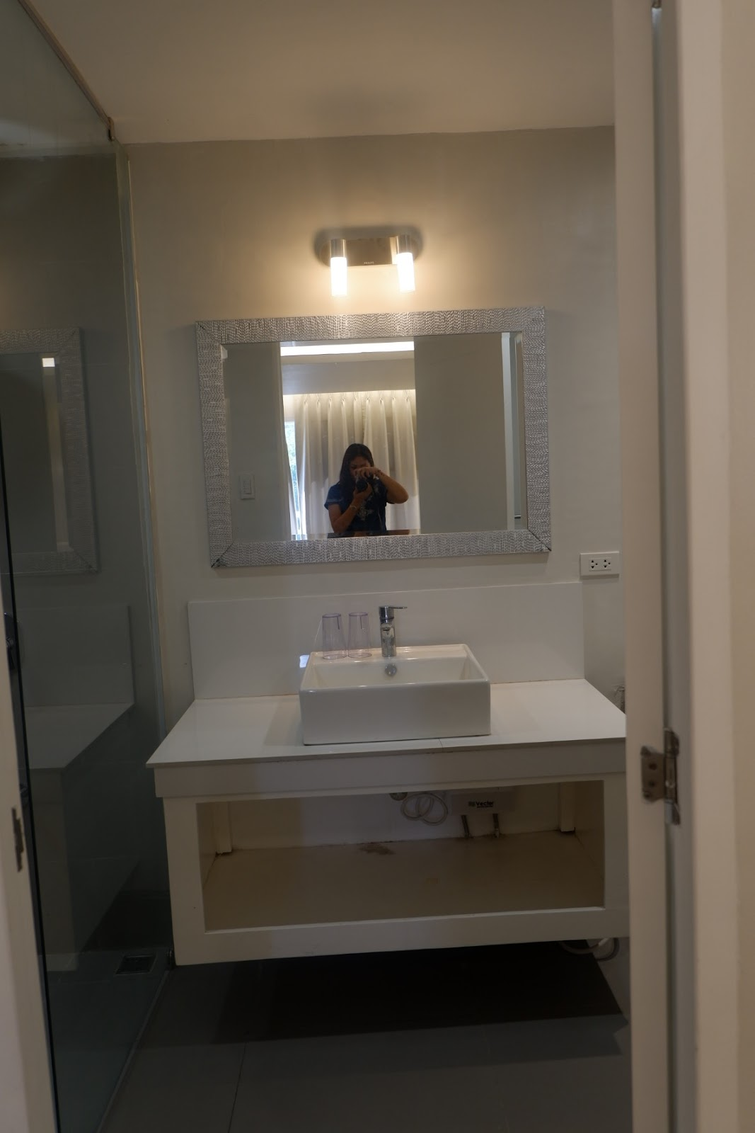 bathroom in premier suite Le Blanc
