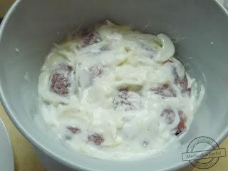 Karkówka w sosie jogurtowym  curry marynata jogurtowa  do karkówki przepis karczek pieczona karkówka pieczarkowym duszona w ciemnym sosie  pomidorowym sos z karkówki wieprzowej mechanik w kuchni  Pork neck with yoghurt sauce curry yogurt marinade to the neck recipe neck roast Pork mushroom stew in a dark sauce tomato pork neck dressing mechanic in the kitchen