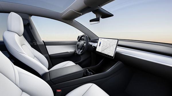 Tesla Model Y İç Tasarım