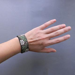 купить стильный браслет женский на руку изделия из бисера интернет