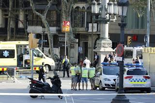 مقتل احد منفذي هجوم برشلونة الارهابي بعد تبادل لاطلاق النار مع الشرطة الاسبانية